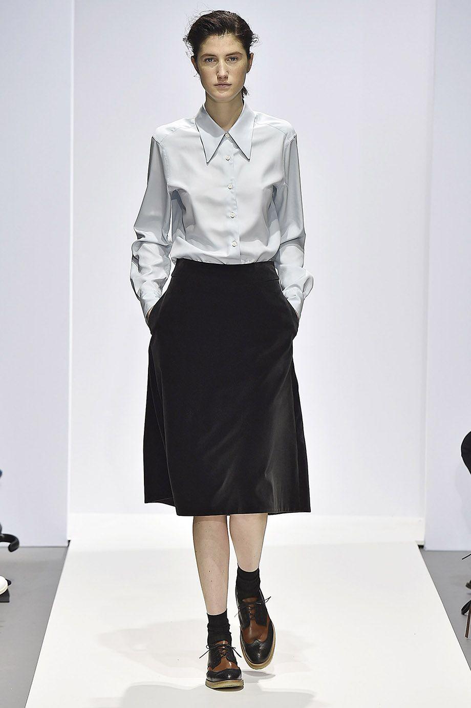 http://www.margarethowell.jp/collection/lookbook/women/