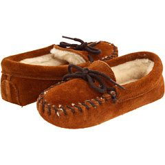 Boys moccasin slippers #style #boys #fashion #moccasins