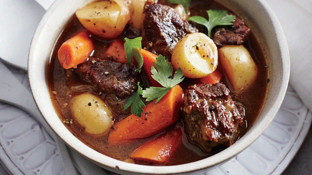 Classic Slow Cooker Beef Stew Recipe Classic Beef Stew Slow Cooker Slow Cooker Beef Stew Slow Cooker Recipes Beef