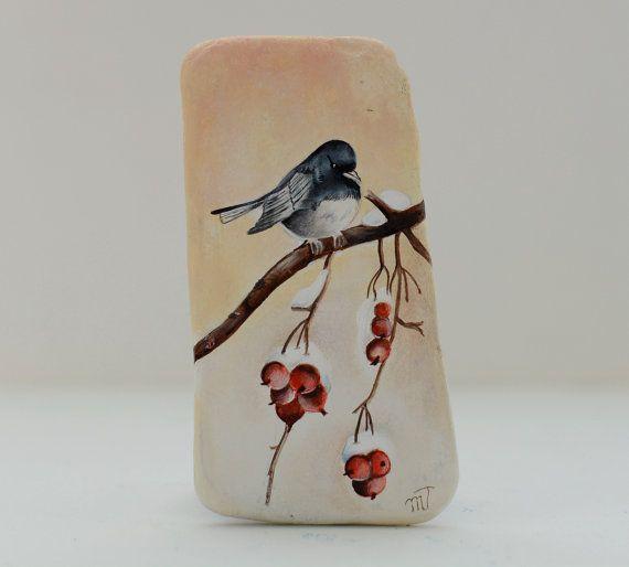 Pietra, dipinto sasso dipinto a mano. Uccello