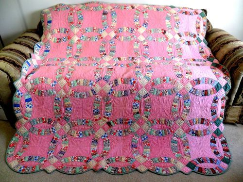 VINTAGE ANTIQUE HANDMADE QUILT DOUBLE WEDDING RING QUILT
