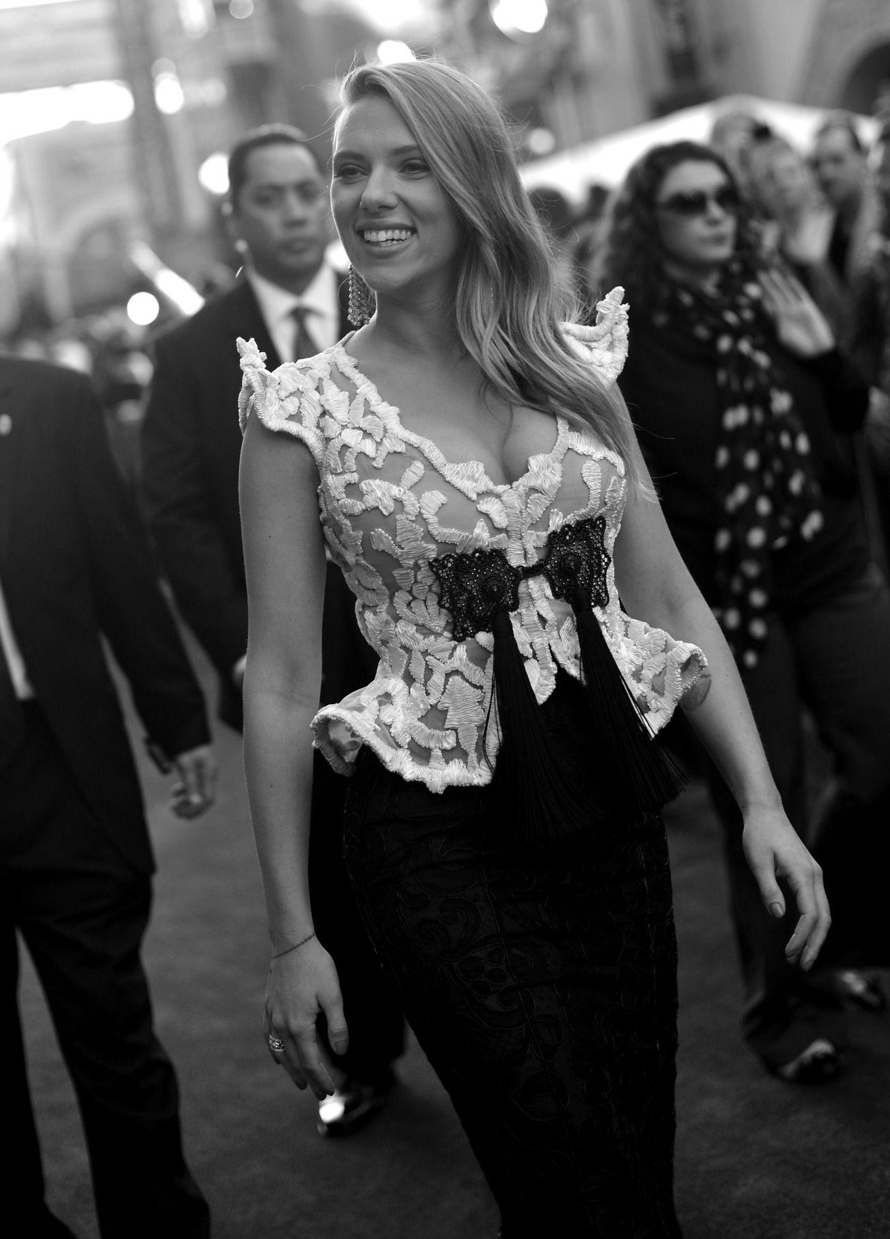 "Scarlett Johansson attends the ""Marriage Story"" premiere"