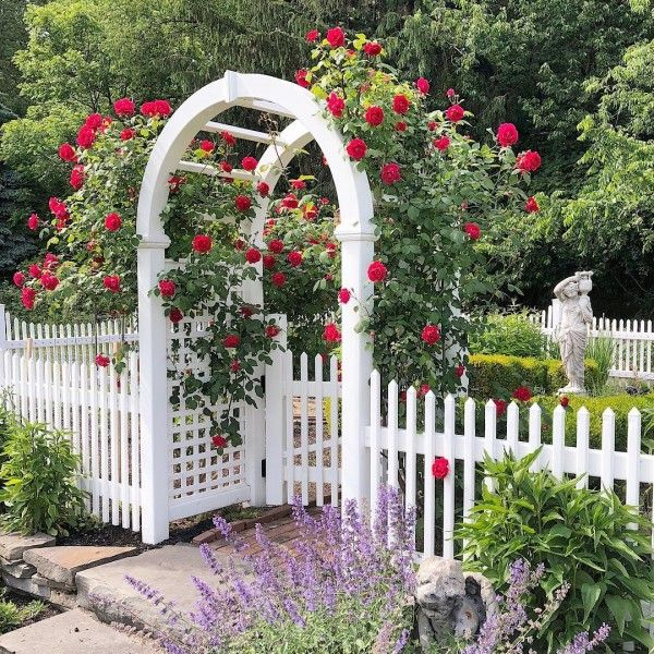 20 White Picket Fence Landscaping Ideas and Designs for 2019