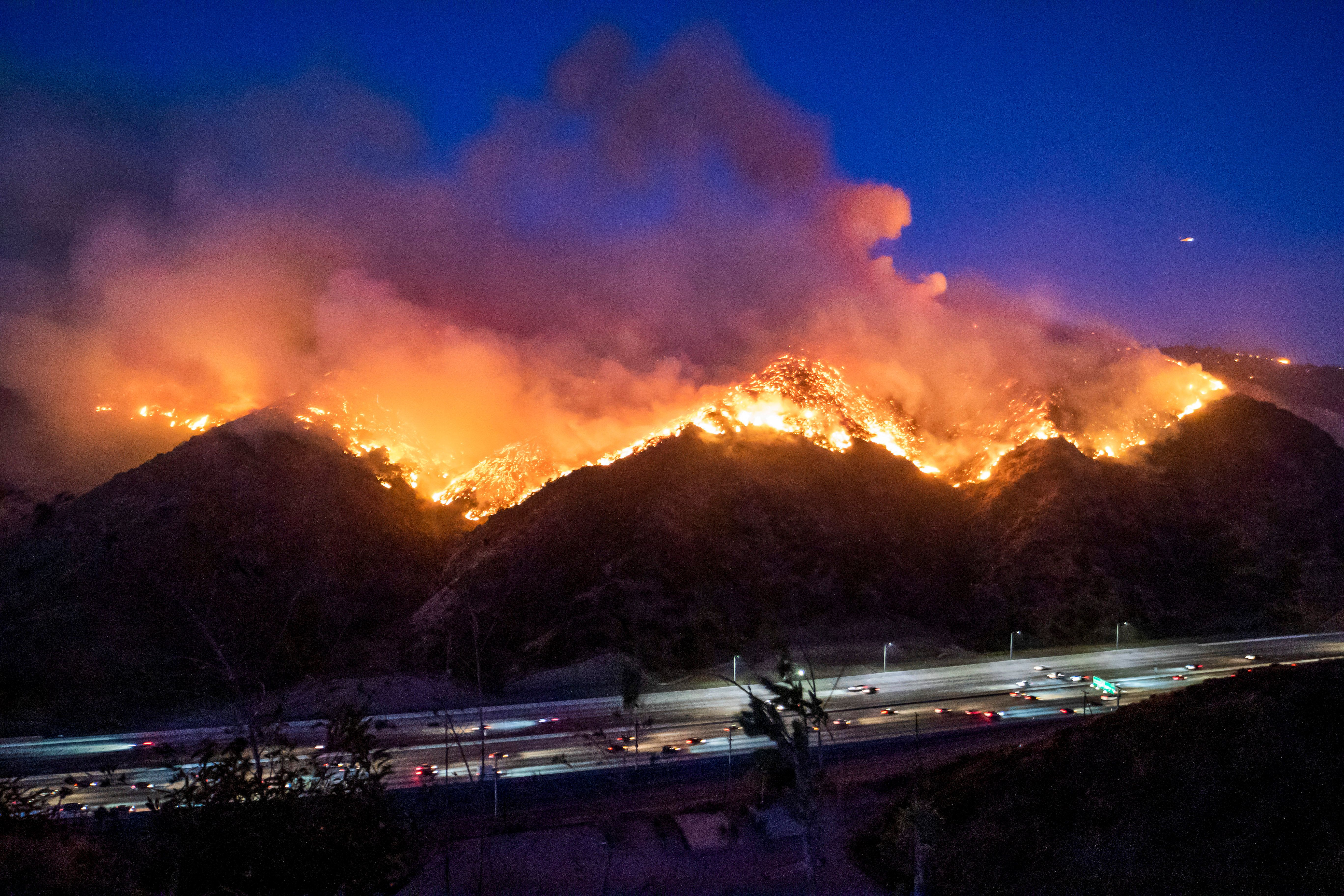 Fears Of More Extreme Weather As Kincade Fire Swells California Wildfires California West Los Angeles