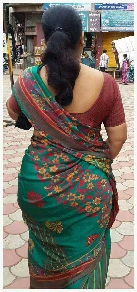 Aunty saree back pics