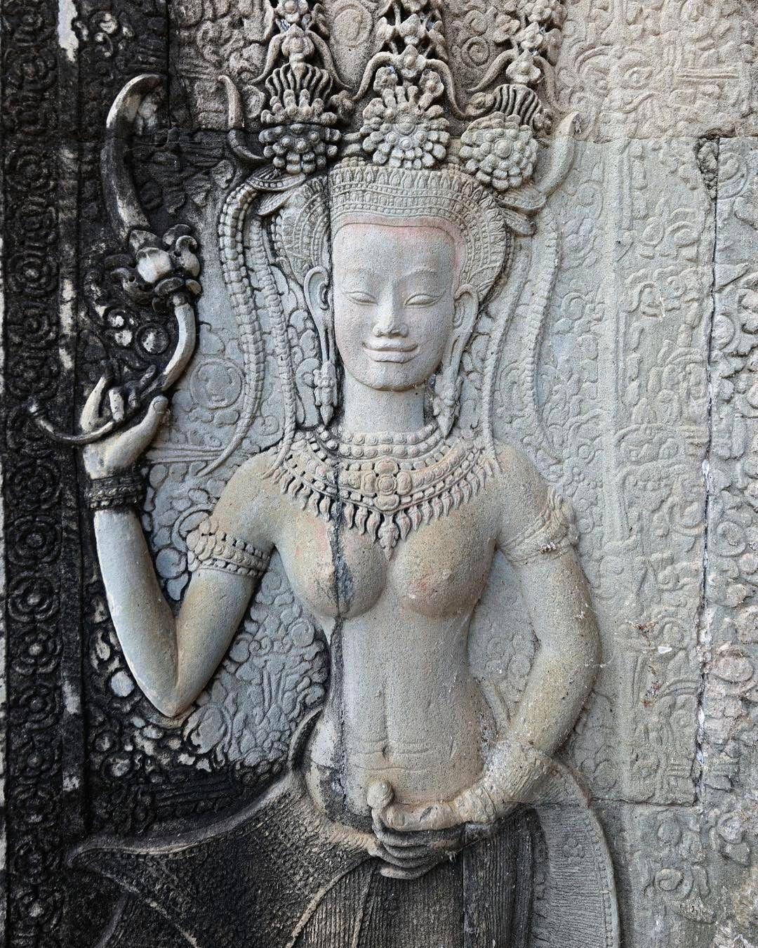 Tracking Apsaras and Devatas in the #Angkor Temples, #Cambodia © Travel with Mei & Kerstin www.travelwithmk.com