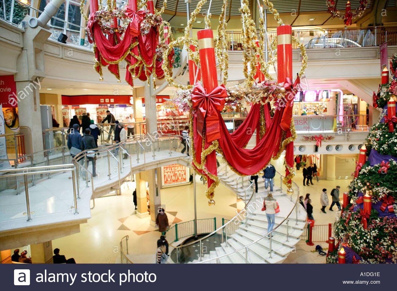 Christmas Decorations Shopping Mall Uk Stock Photo Navidad Nomenclatura