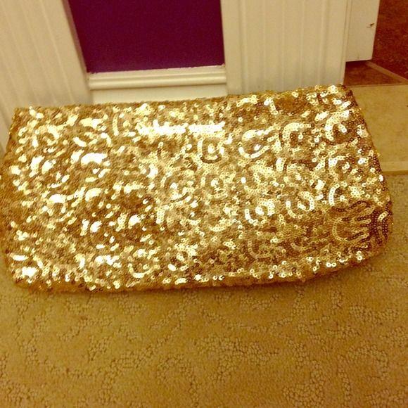 Gold Victoria secret bag Cute, sparkly Victoria's Secret Bags