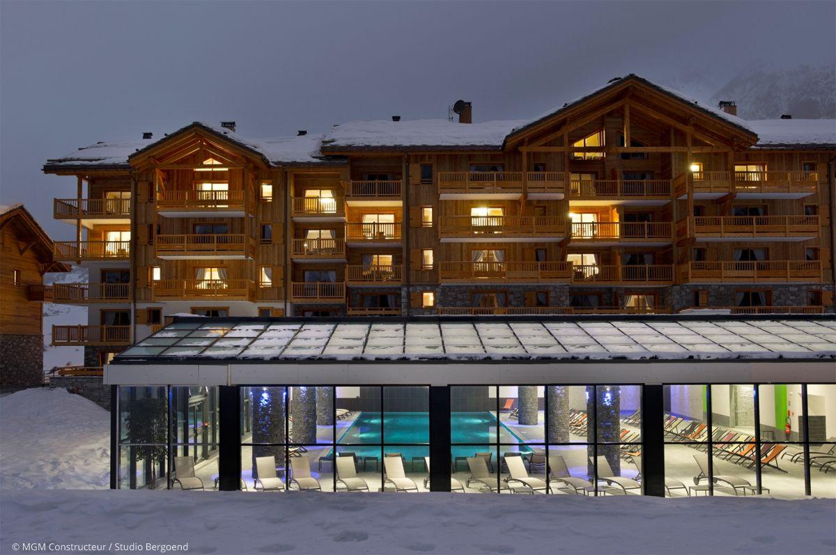 Val Cenis : piscine sous verrière. Chalet haut de gamme, luxe, neige, montagne