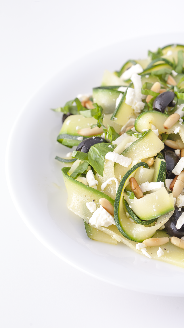 zucchinisalat tagliatelle di zucchine zucchini salad feta and tagliatelle. Black Bedroom Furniture Sets. Home Design Ideas