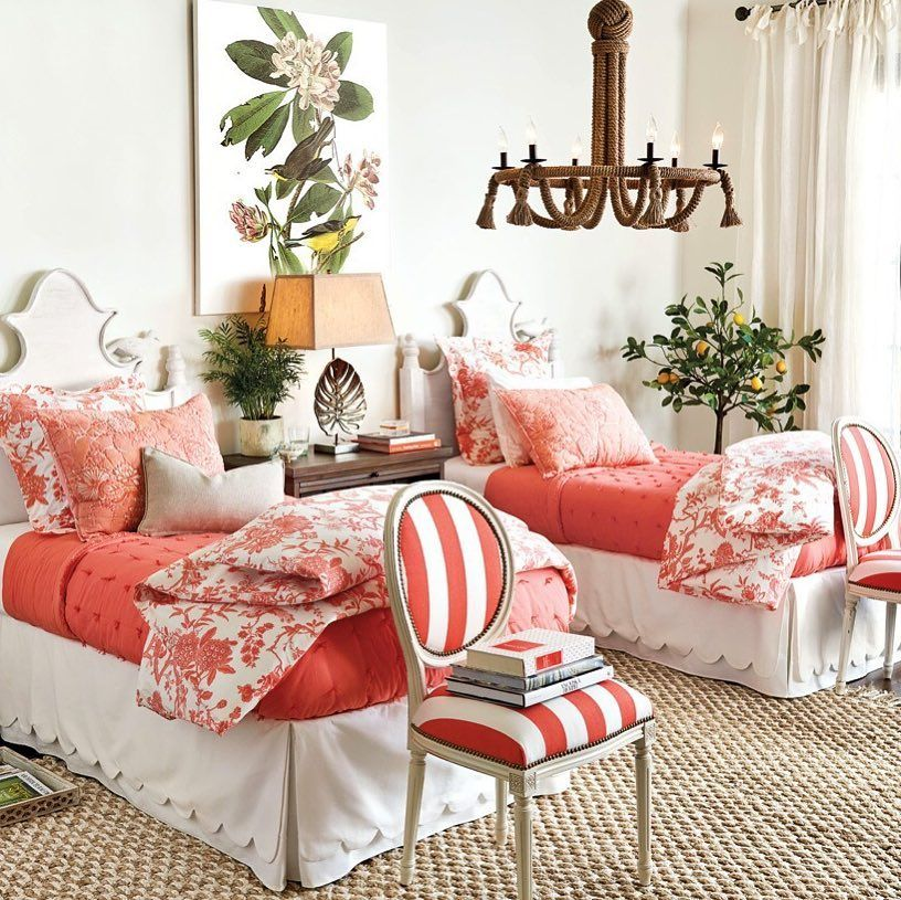 Twins in Coral and white! DECOR Bed guest bedrooms Pinterest