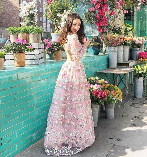Sukienka Cina Chi Chi London Sukienka Maxi Sukienka W Kwiaty Maxi Dress Dresses Embroidered Maxi Dress