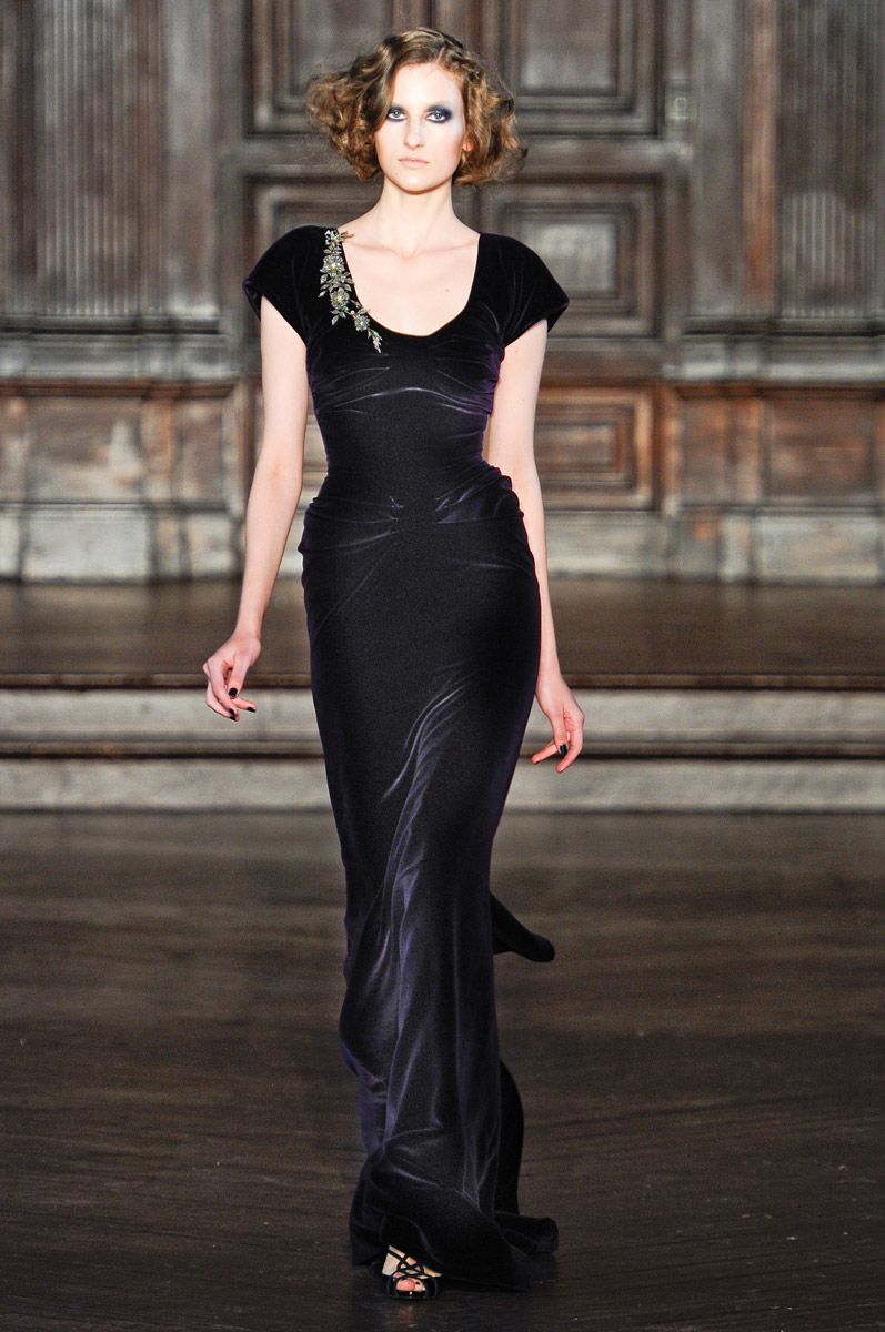 Katia in L'Wren Scott purple velvet Fall RTW 2012 #fashiondesigner #nyfw finale look #lwrenscott