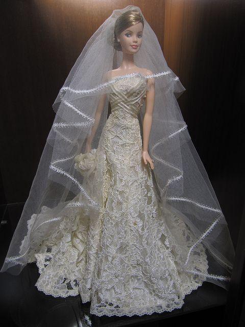 a503674e9144 Carolina Herrera Barbie Bride 017