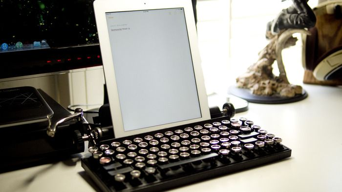 f973b7b3205 ••Qwerkywriter•• Retro-themed mechanical keyboard for iPad/laptop/PC  developed by by Brian Min via KickStarter (out 2015-08) • vintage keycaps  on advanced ...