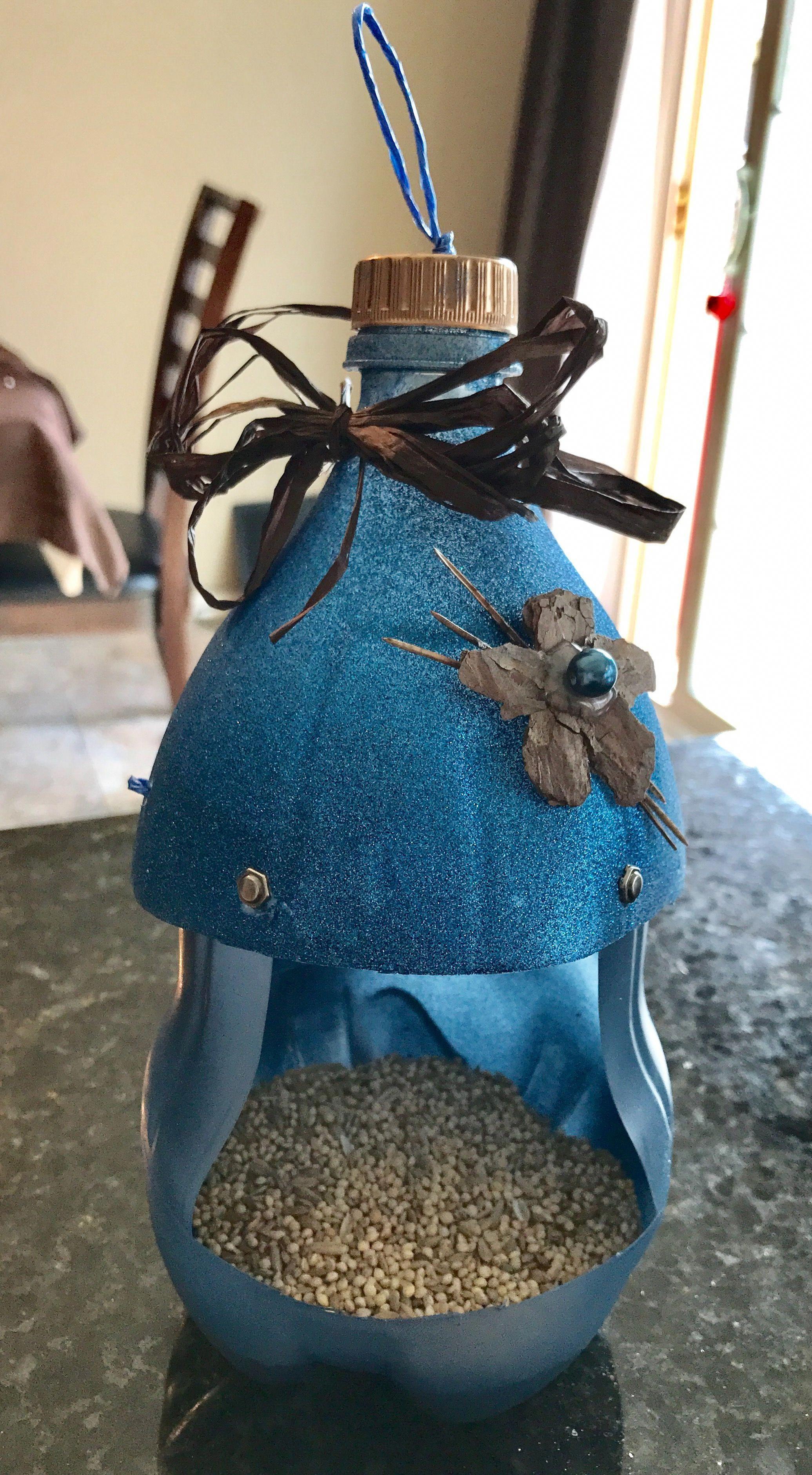 Make An Easy Coffee Can Bird House Homemade bird feeders