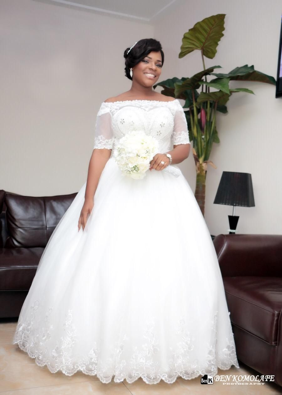 Ball Gown Wedding Dresses With Short Sleeves : Vintage beaded white lace plus size ball gown african