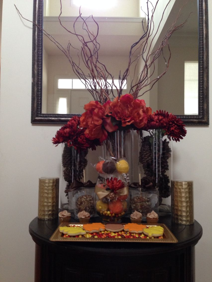 Thanksgiving mini dessert table