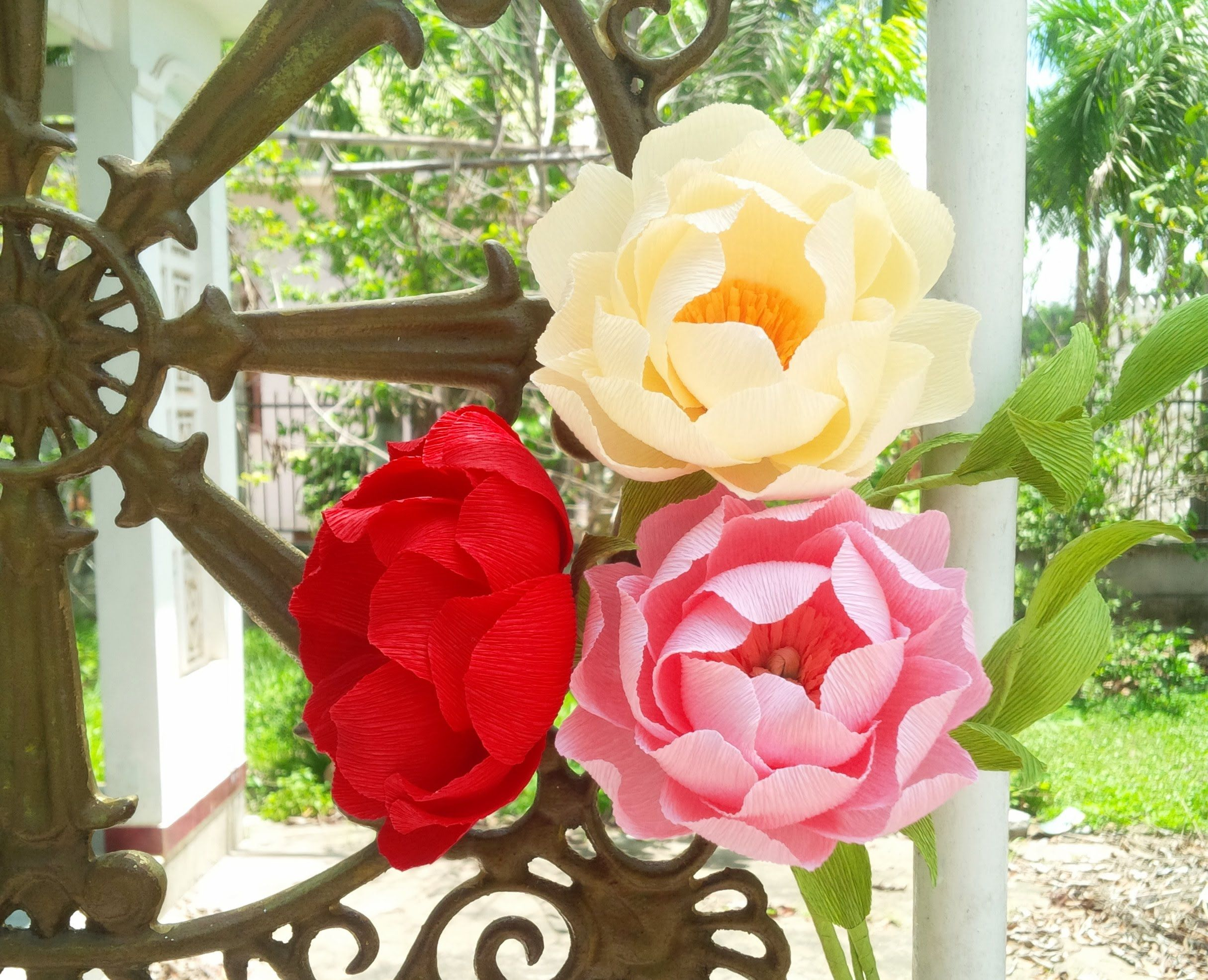 extremely easy peony with crepe paper - craft tutorial | paper