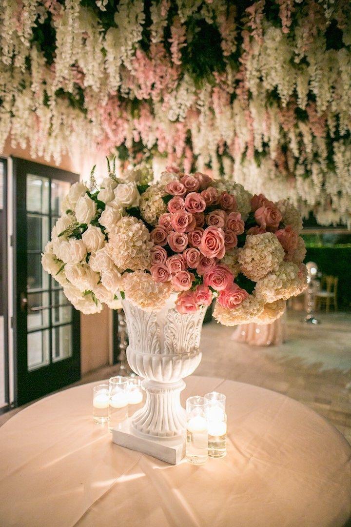 photo: Samuel Lippke; Glamorous wedding reception table;