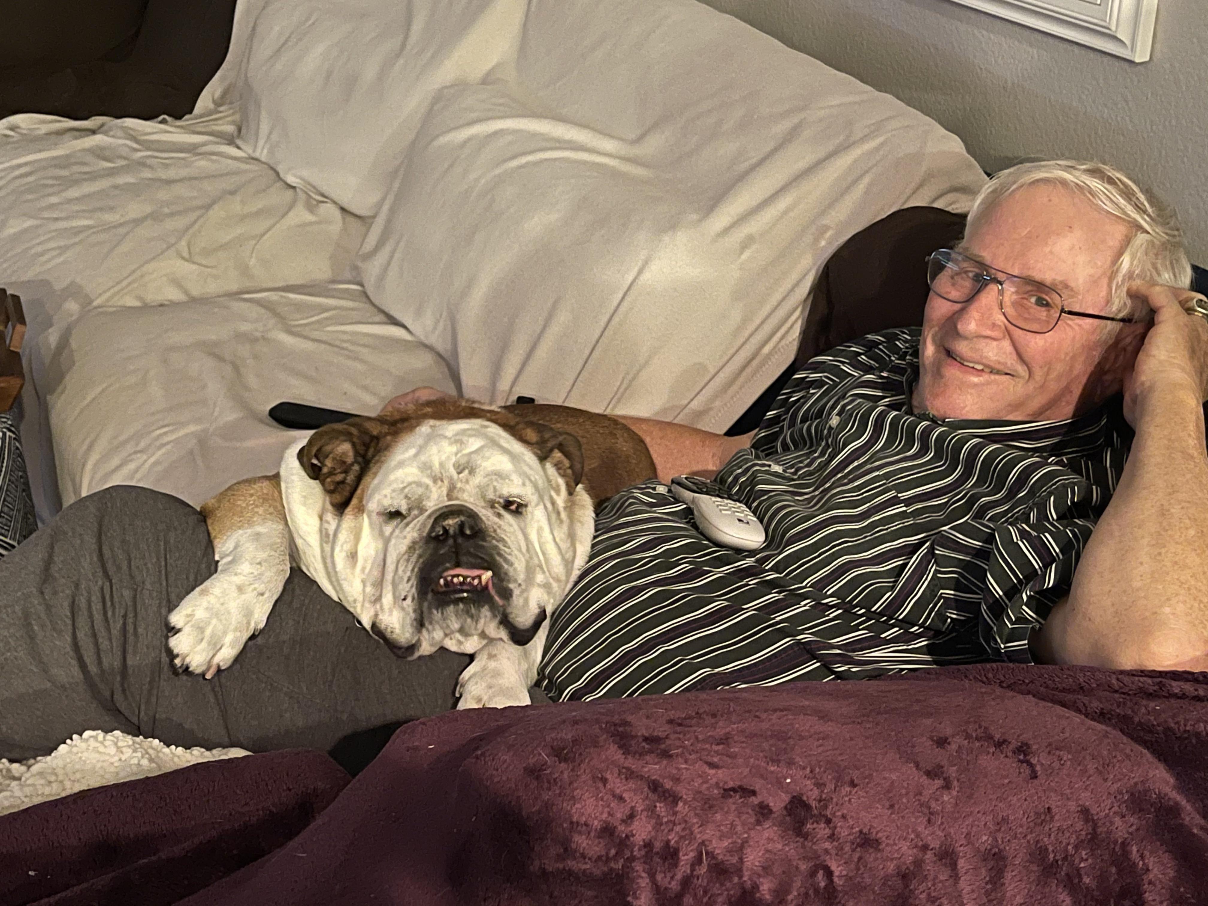 Loves it when Grandpa visits ❤️
