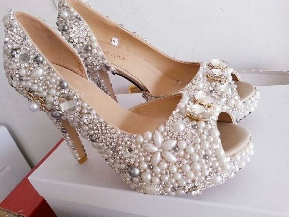 Luxury Wedding shoes pearl bridal shoes Unique by uniquedesigncase