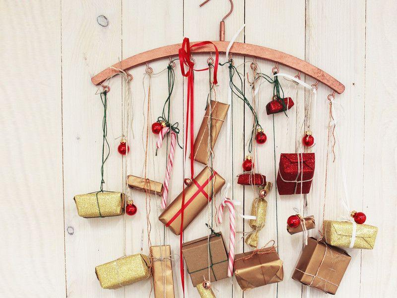 adventskalender aus einem kleiderb gel selbst basteln diy ideen f r weihnachten pinterest. Black Bedroom Furniture Sets. Home Design Ideas