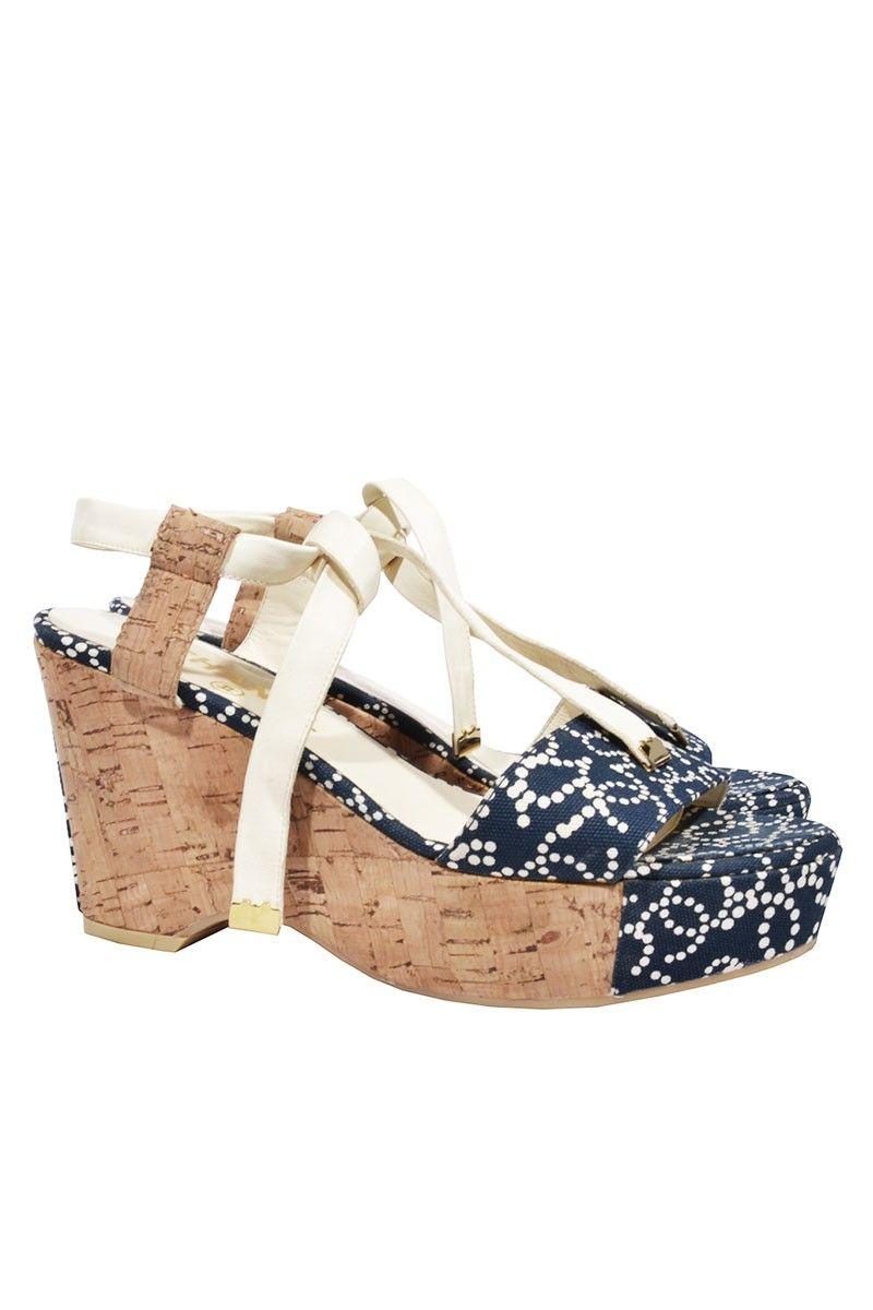 #Chanel #shoes #wedges #Designer #fashion #mode #vintage #classy #onlineshop #elegant #secondhand #mymint
