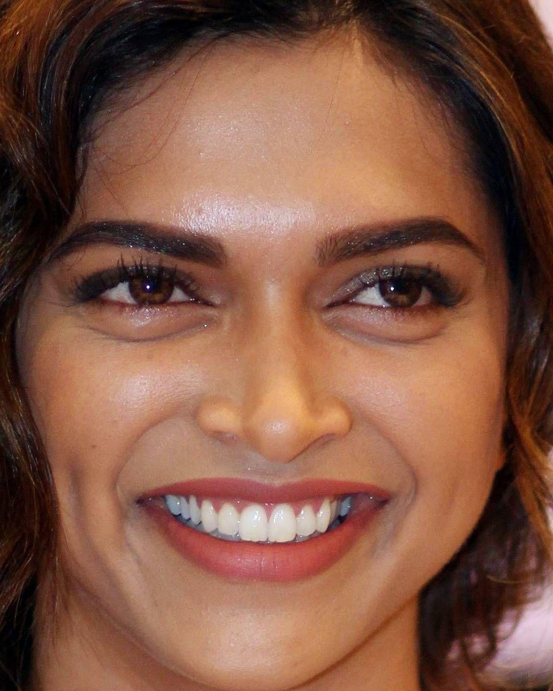 Deepika Smile Deepika Padukone Her Smile Beautiful Girl Face