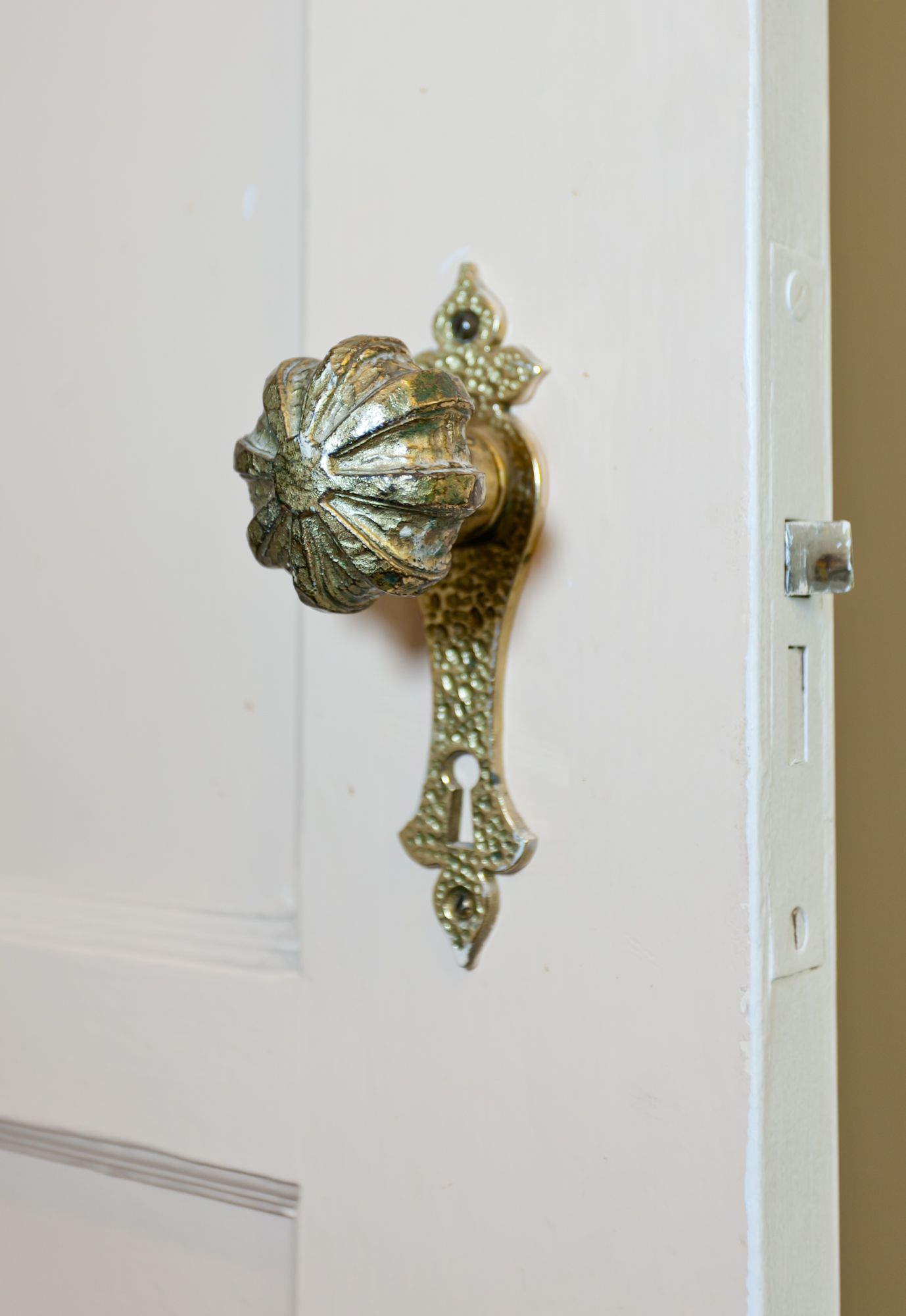 Ornate door knob...gorgeous!