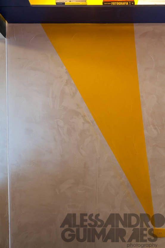 Detalhe Parede Apartamento Perdizes  Paredes e pisos modernos por