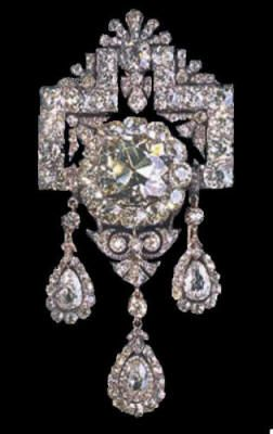 holland royal jewels...Pretty, pretty.  B.