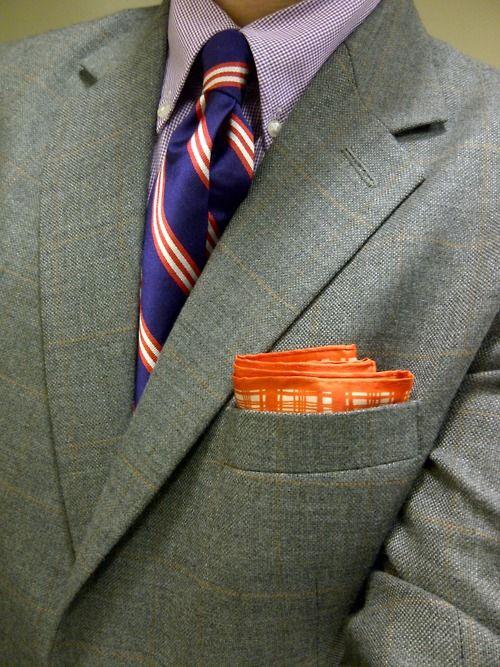 Violeta y naranja y camisa malva