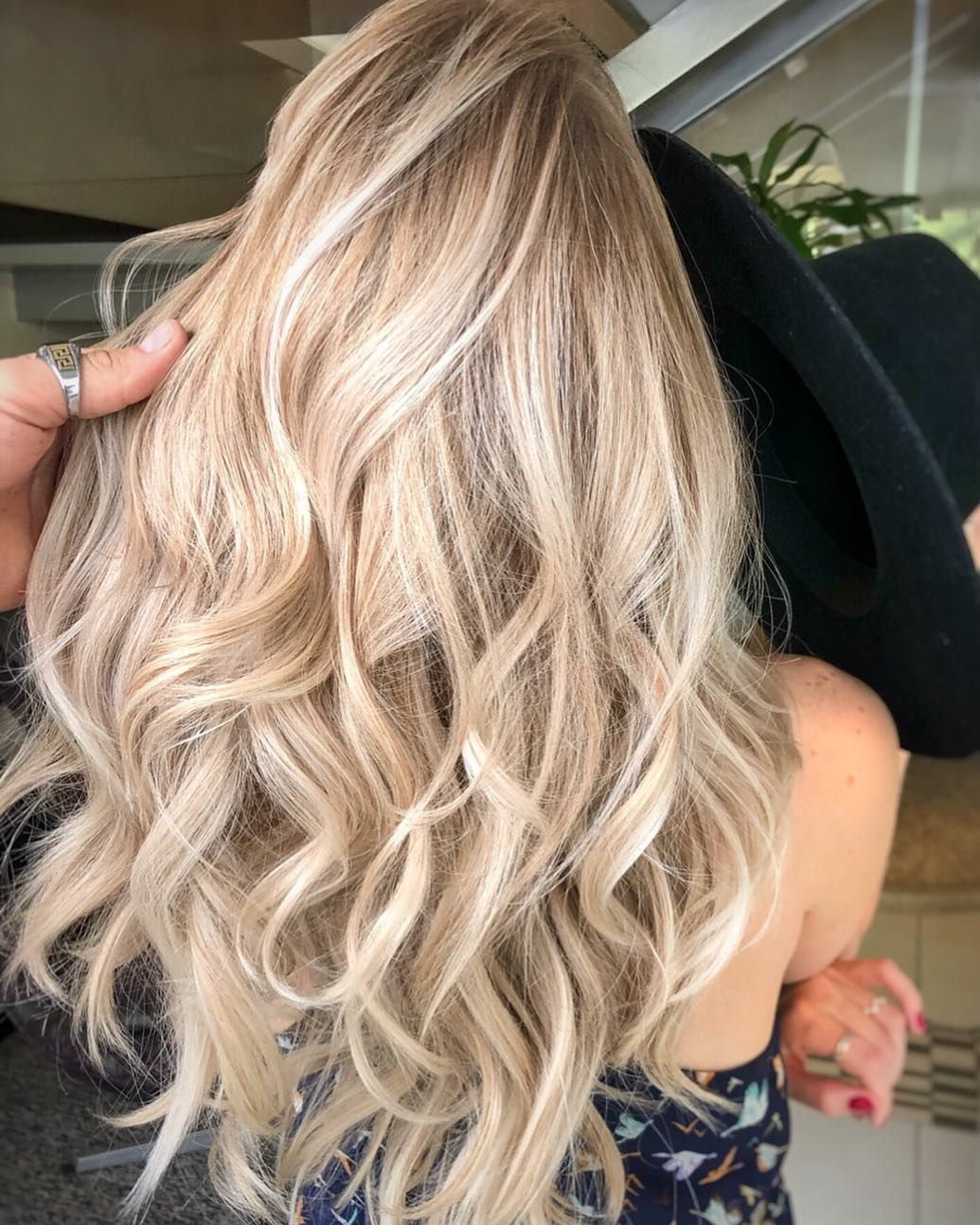 'Champagne Hair' Is The Prettiest Way To Go Blonde—Here's How To Get The Look #champagneblondehair