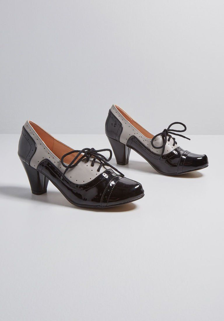 d70575192a2b9 Pin Up Shoes- Heels, Pumps & Flats Off and Cunning Oxford Heel in 36 $69.00  AT vintagedancer.com