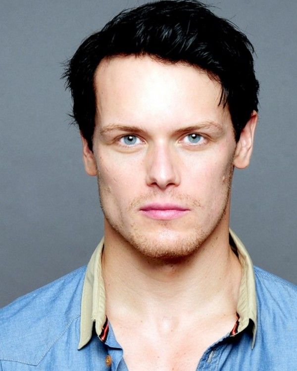 Sam Heughan Height, Weight, Biceps Size, Body Measurements