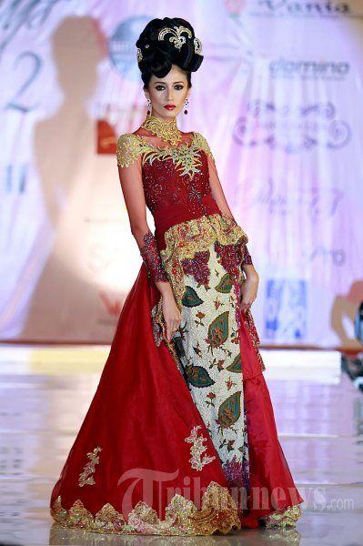 75 Gambar Baju Kebaya Fashion Show Kekinian