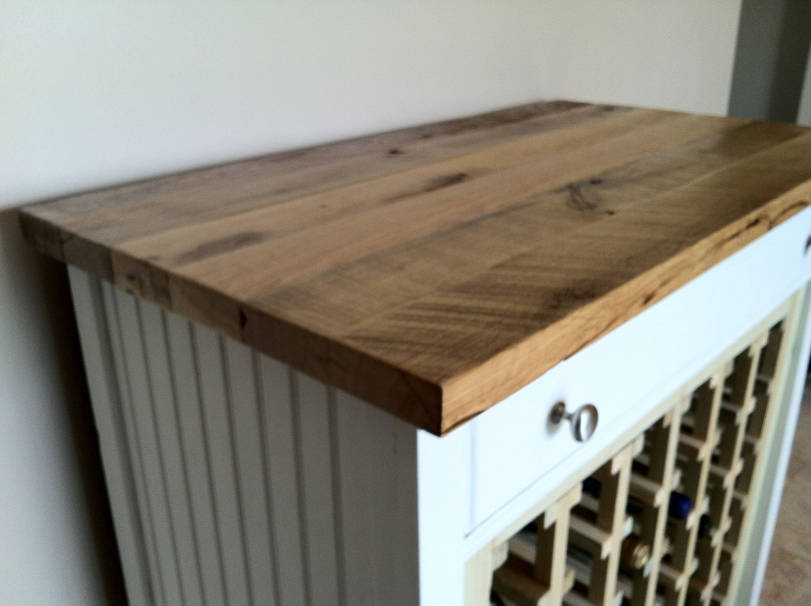 Pallet Wood Counter Top For Wine Rack #Diy