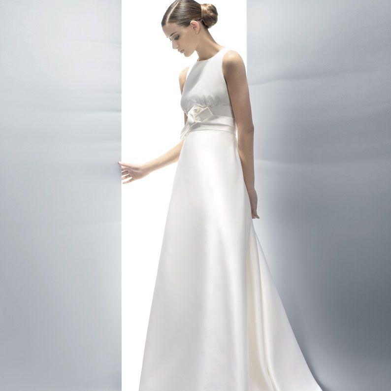 Bröllopsklänning Enkel Grace Och Elegans Brudklänning