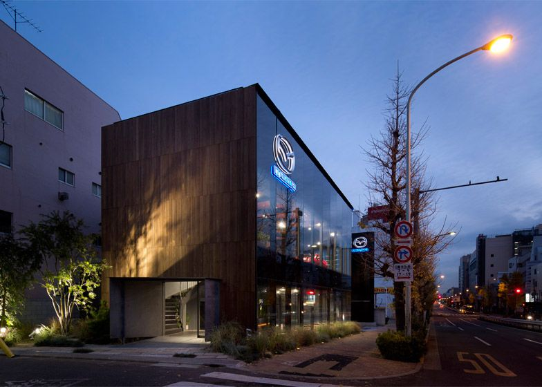 Suppose design office completes car showroom for mazda for Car showroom exterior design