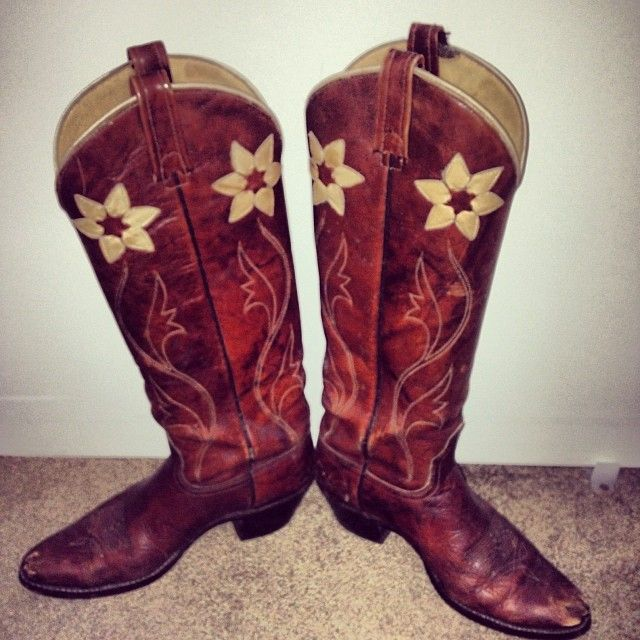1000  images about Womens Cowgirl Boots on Pinterest | Cow print