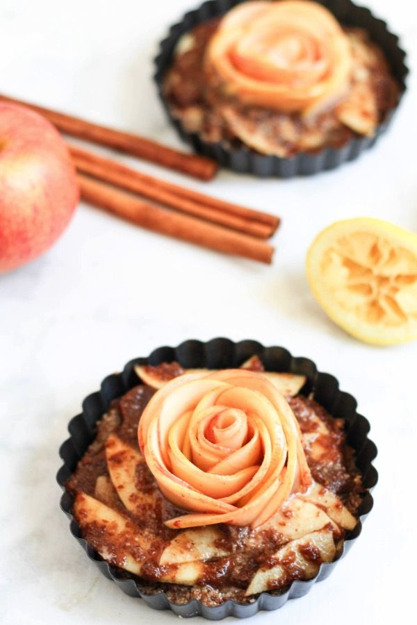 Raw apple tart with almond meal crust