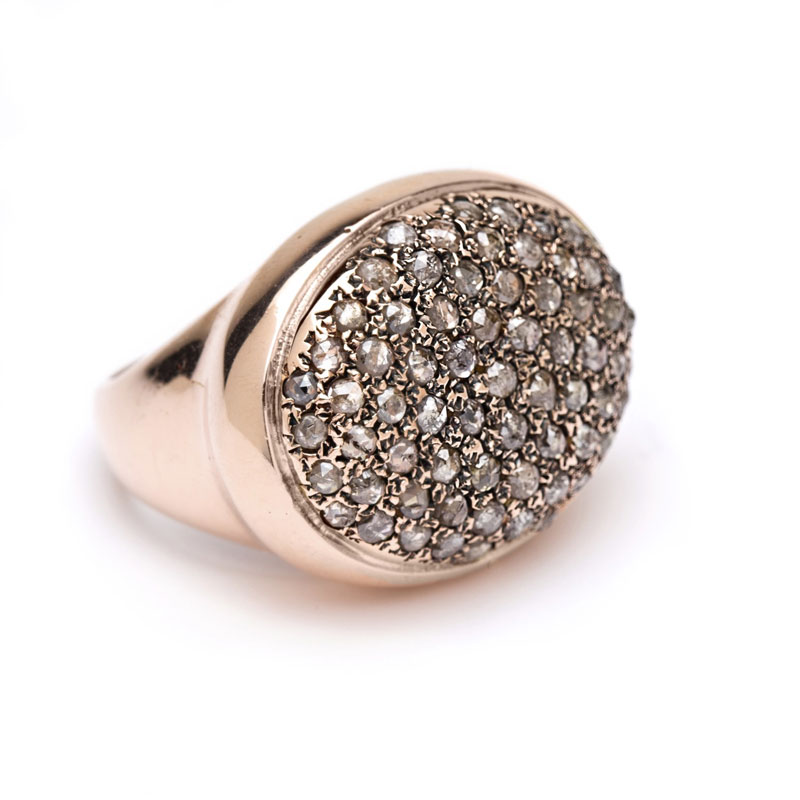 Make a sparkling statement with this cobblestone ring, featuring a dreamy cluster of rose-cut champagne diamonds set in luxurious rose gold.