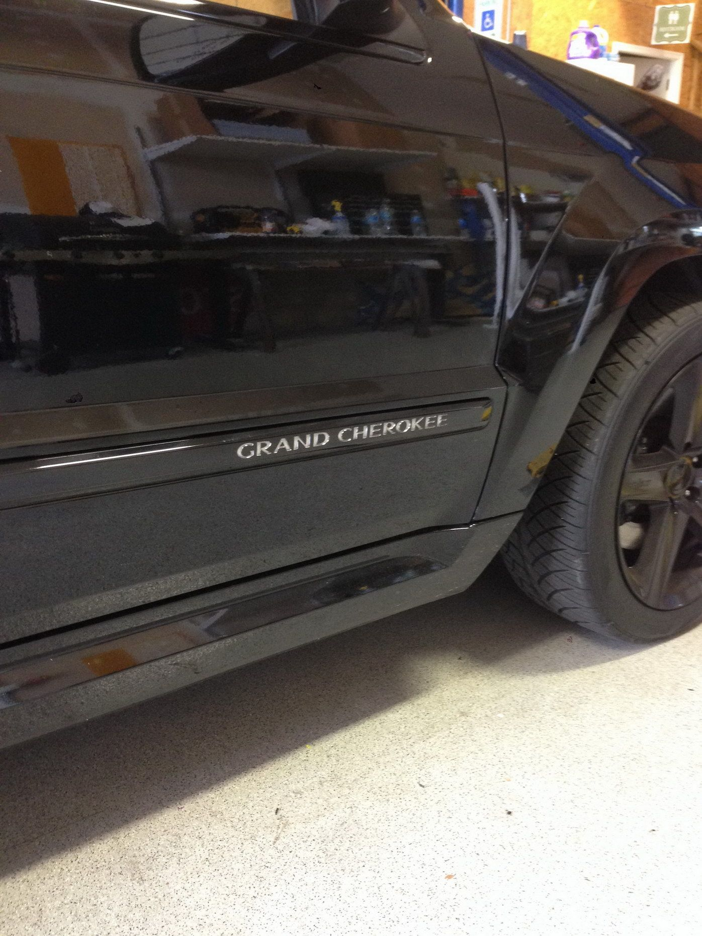 srt 8 jeep grand cherokee trim black out 3m scotchprint. Black Bedroom Furniture Sets. Home Design Ideas