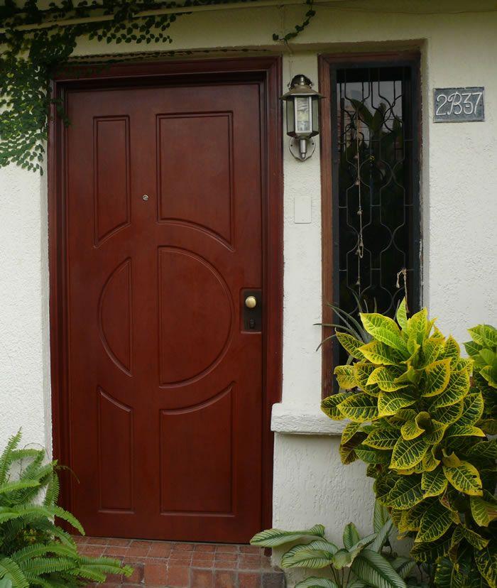 Puertas entrada principal puerta de entrada con vidrios for Modelos de puertas de madera para puerta principal