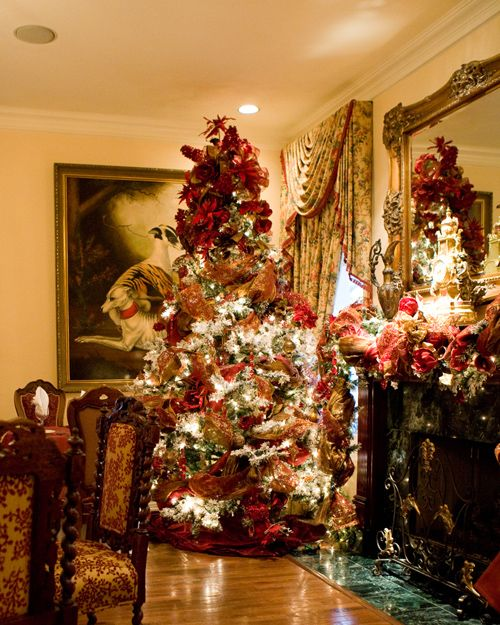 Sanford House Renoir Room during the holidays