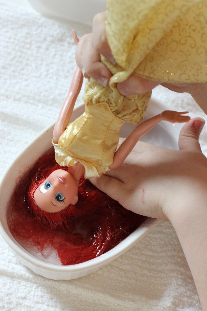 How to fix frizzy barbie hair.