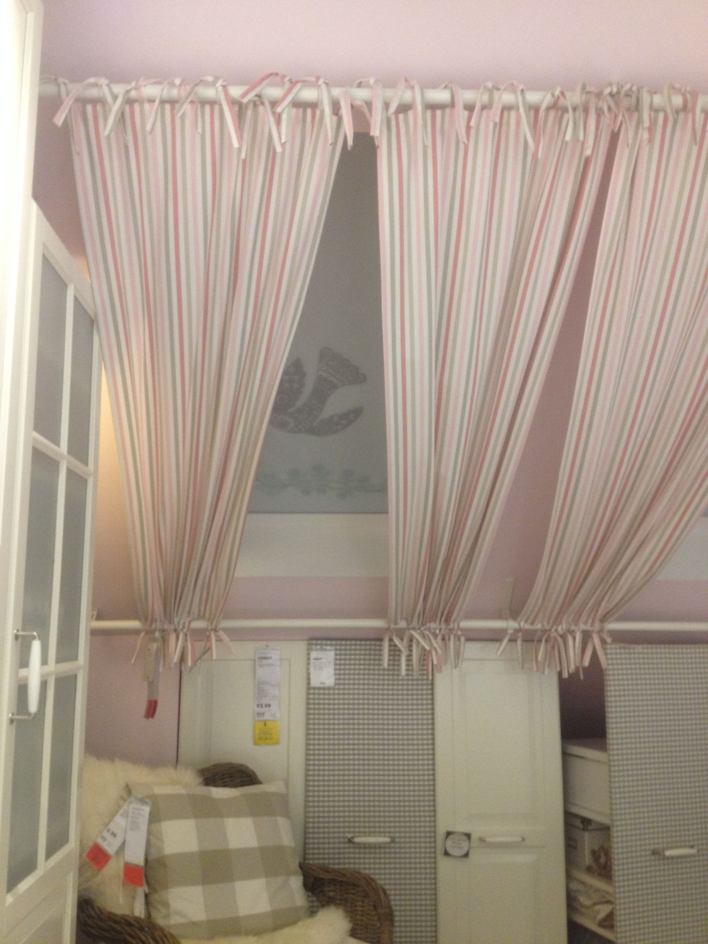 Gardinenaufhängung an schrägen Fenstern | Шторы | Dachschräge ...