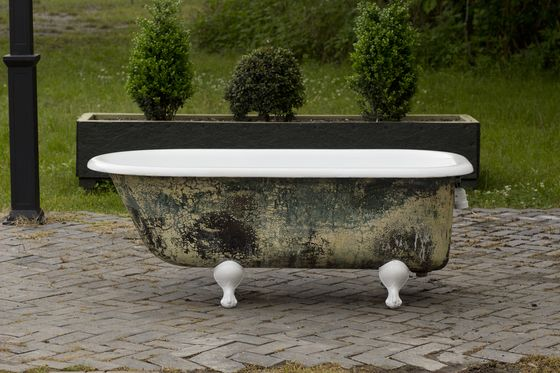 Antique 1908 Refinished 5u0027 Clawfoot Bathtub Antique Meets Modern In This  Beauty! This Clawfoot