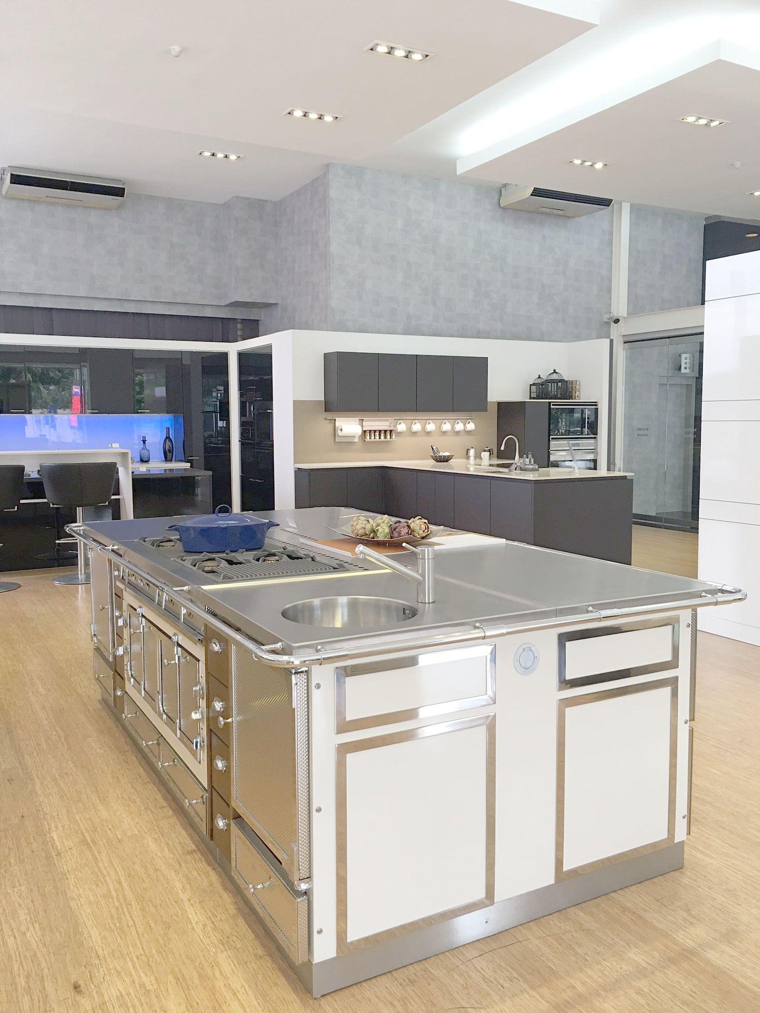lot la cornue ch teau 120 lotus showroom de kuala lumpur kitchen culture new york. Black Bedroom Furniture Sets. Home Design Ideas